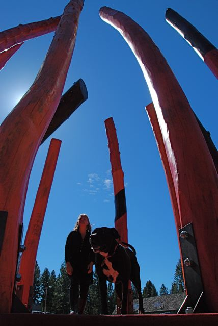 Reba inside the Log Henge sculpture with Laury Dizengremel